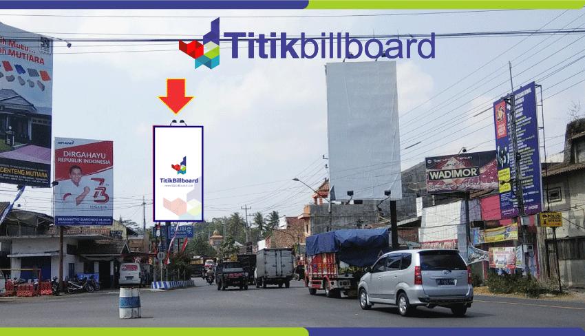 Billboard Di Magelang