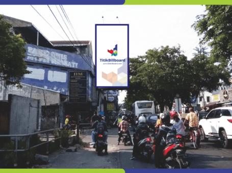 Lokasi Billboard Solo Jl. Yos Sudarso – Pasar Harjodaksino