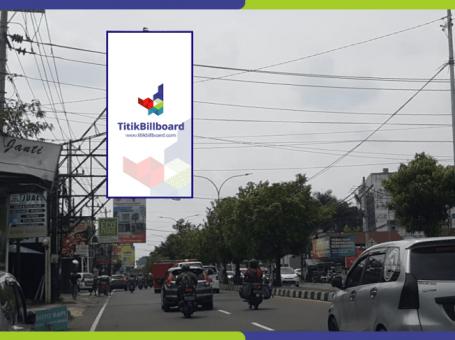 Lokasi Billboard Yogyakarta Jl. Laksda Adisucipto – Depan BCA Adisucipto