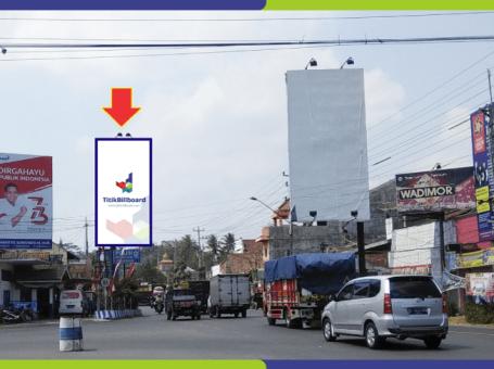 Sewa Billboard Magelang Jl. Raya Secang – Perempatan Secang