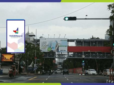 Sewa Billboard Surabaya Jl. Urip Sumoharjo – Perempatan Jl. Pandegiling